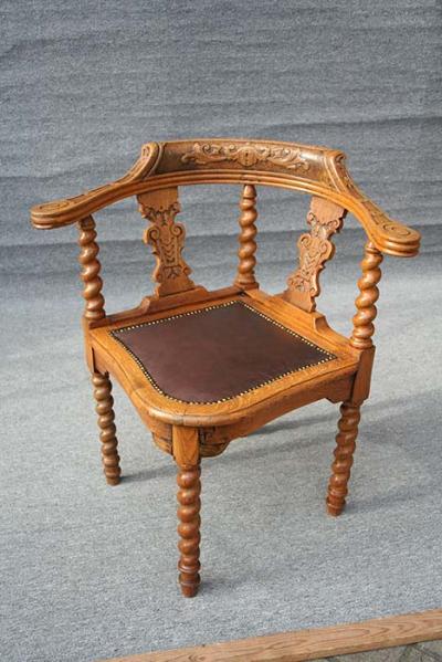 antiker Schreibtisch-Sessel  Eckstuhl