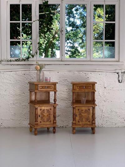 Paar Nachttischchen, Gründerzeit, um das Jahr 1880 gefertigt