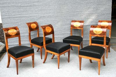 Satz antike Stühle, Biedermeier, Nussbaum massiv und furniert