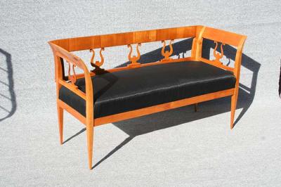 antikes Sofa im Biedermeier-Stil um 1900 gefertigt