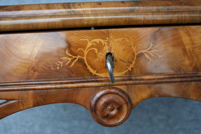 Antikes Schreibpult