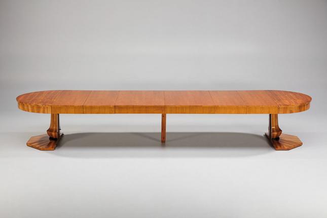 antiker Auszugtisch, auf 494 cm ausziehbar