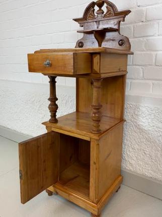 Paar Nachtkästchen, Fichte, Gründerzeit, um das Jahr 1880 hergestellt