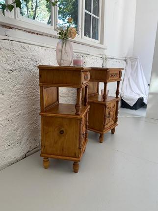 Paar Nachttischchen, Gründerzeit
