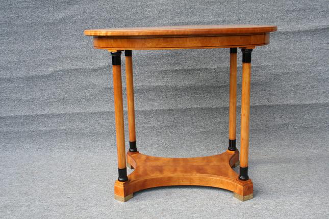 ovaler Tisch, Birke massiv und furniert