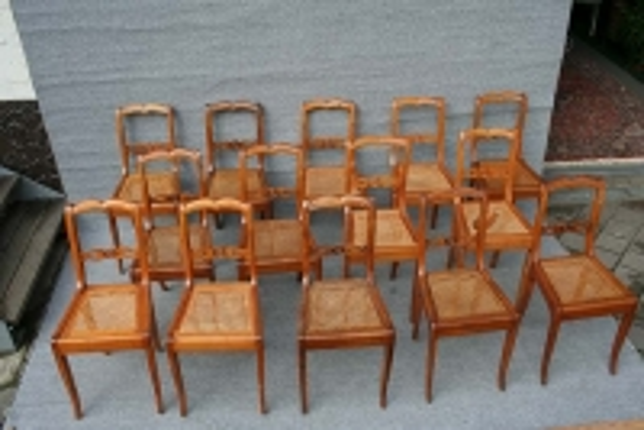 Restaurierung Satz Stühle Spätbiedermeier, Kirschbaum massiv