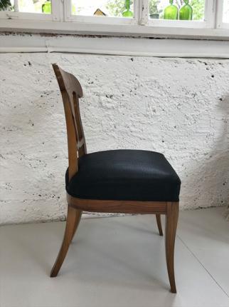 Paar Stühle, Biedermeierstil, Nussbaum furniert