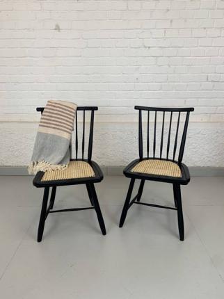 Satz Stühle, 50er-Jahre, schwarz lackiert