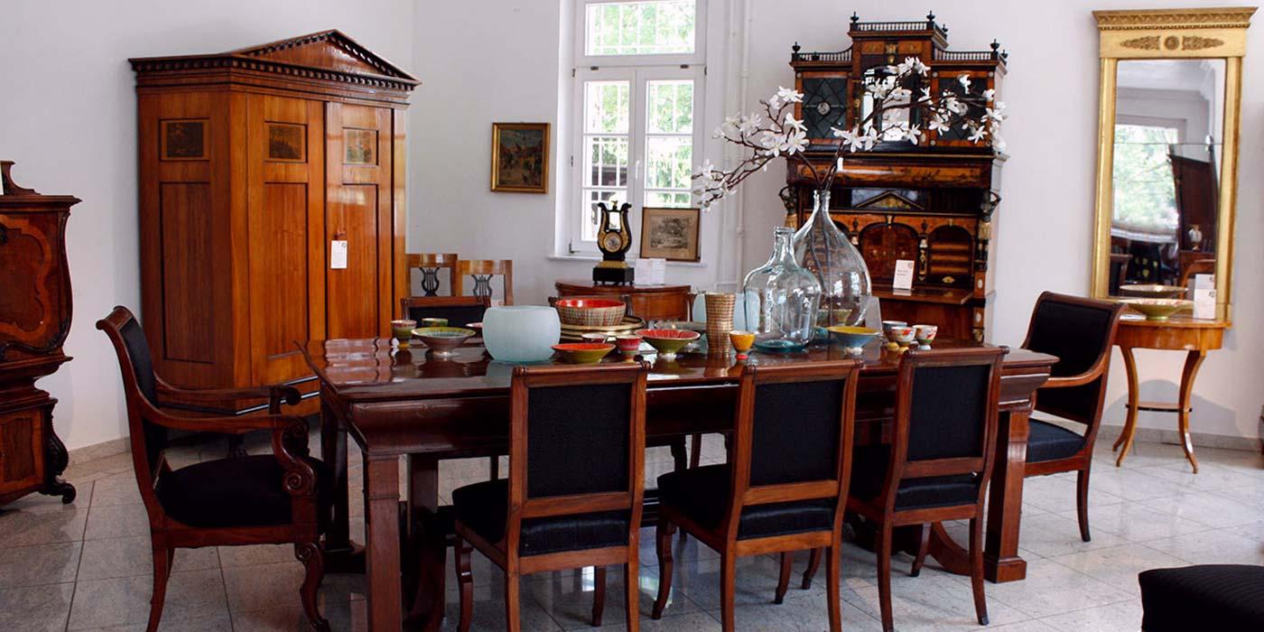 ausstellung antike biedermeier m bel britsch. Black Bedroom Furniture Sets. Home Design Ideas